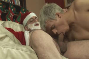 Instead of cookies, Santa gets a twink ass to fuck