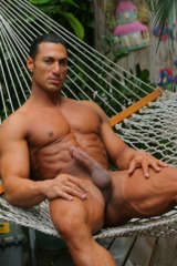 Muscle hunk Rico presenting his big cock